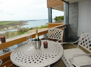 Apartment overlooking Maenporth, Cornwall