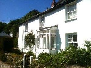 Tremorna Cottage in Helford